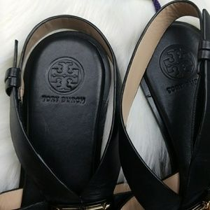 006548f7f974a9 Tory Burch Shoes - 🎉SALE🎉NWOT Tory Burch Gigi Flat Sandals in black